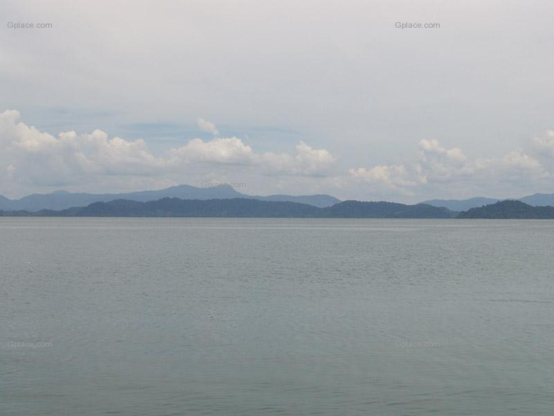 รูปภาพเกาะพยาม